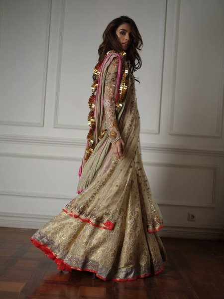 Misha Lakhani winter Party wear Dresses 2016 winter (3)