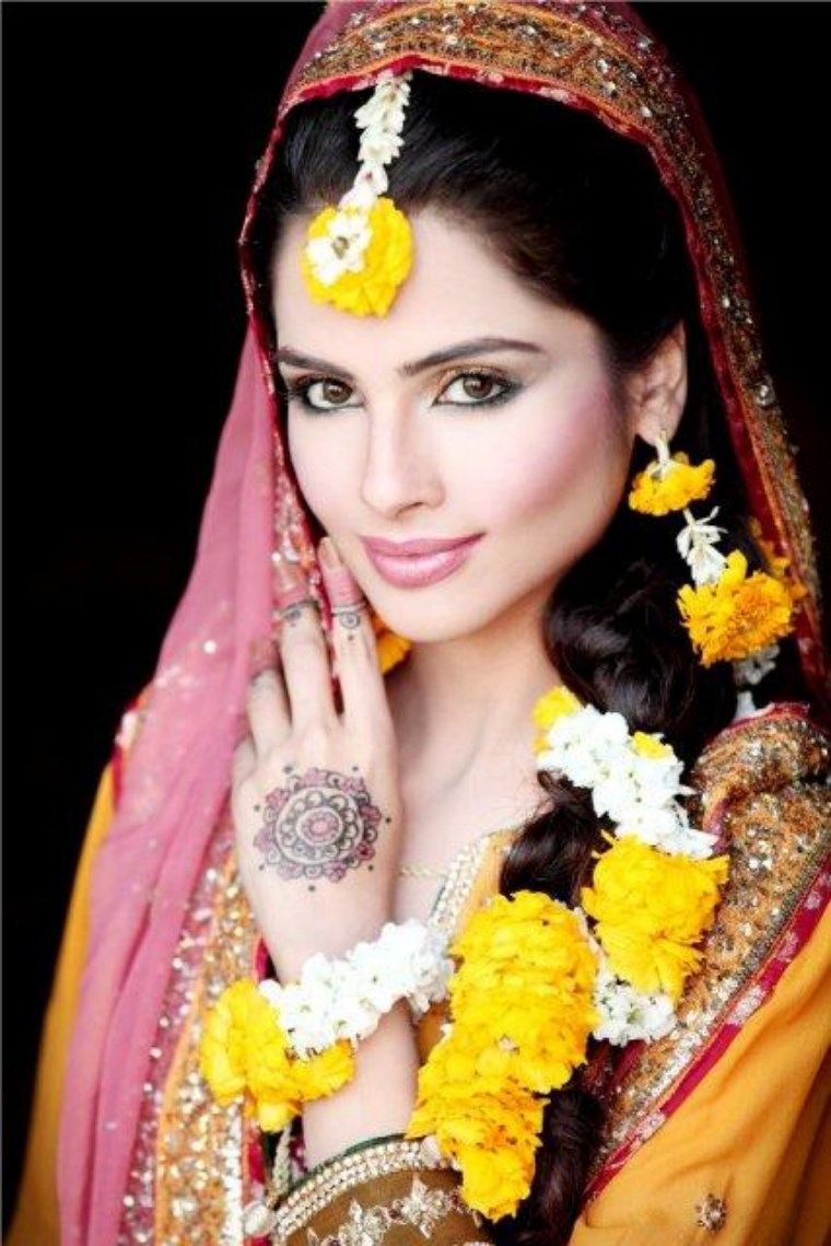 pakistani-mehndi-dresses 2021