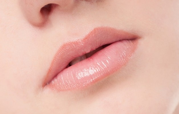 Home Remedies to Get Pink Lips Naturally