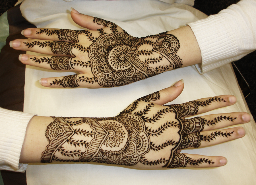 Latest Mehndi Designs 2017 for Young Girls and Women