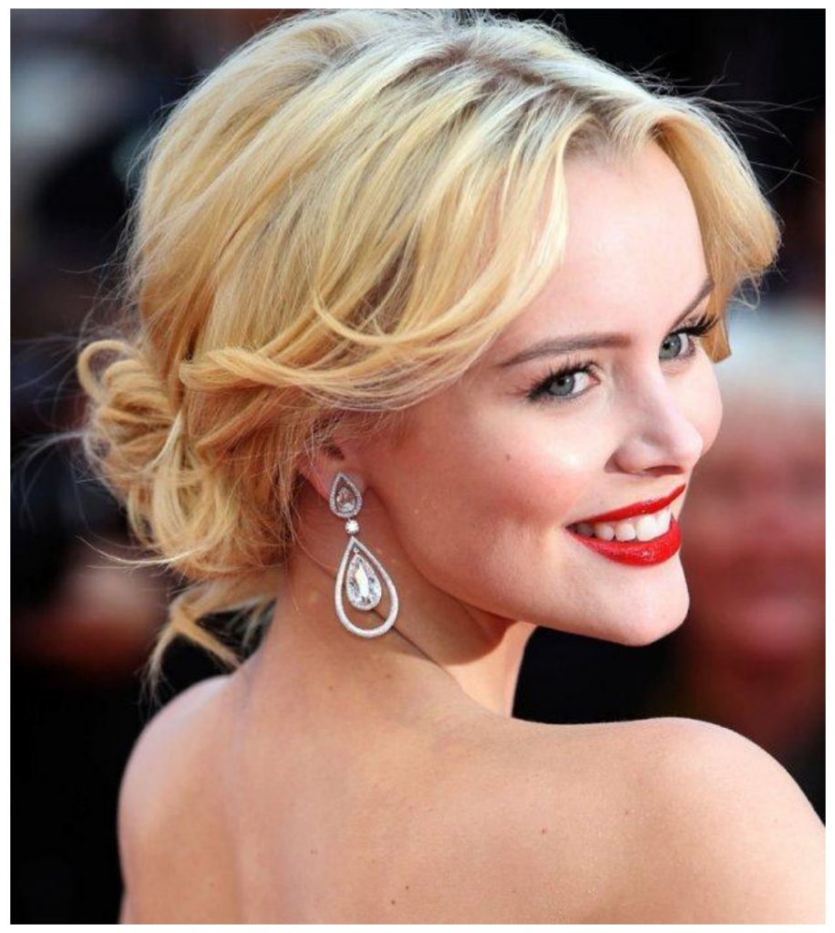 Curly Gorgeous Prom Hairstyles