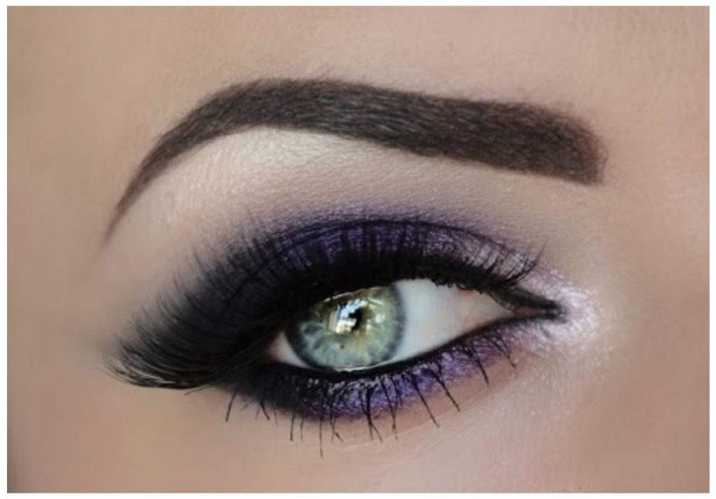 How To Do Smokey Eye Makeup in Pics
