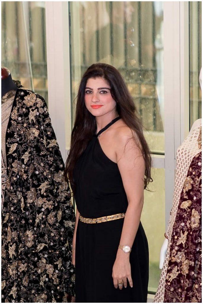 Fawad Khan And Sadaf Khan Silk Fashion 2017 In Dubai (2)