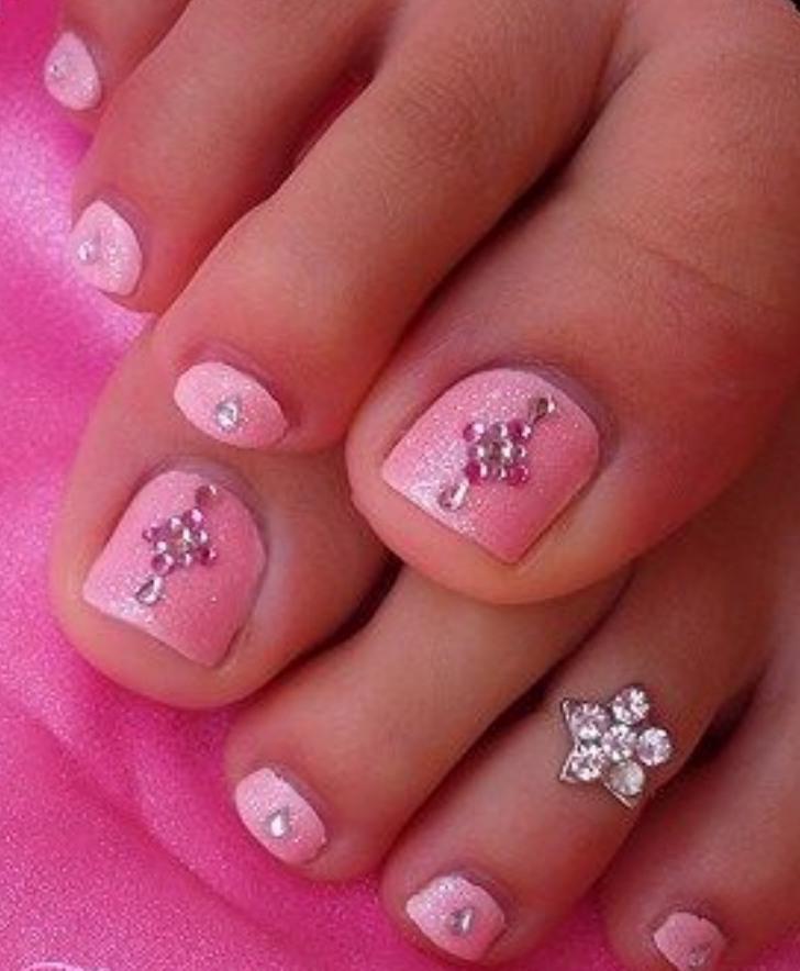 Toe nail design 2017 for Girls