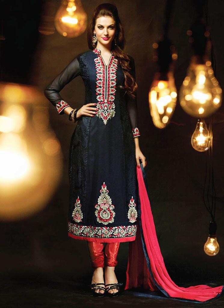 latest suit design of manish malhotra