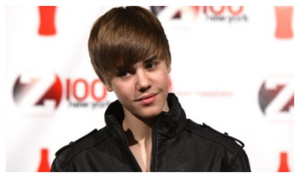 Smiling Justin Bieber Hairstyle for boys