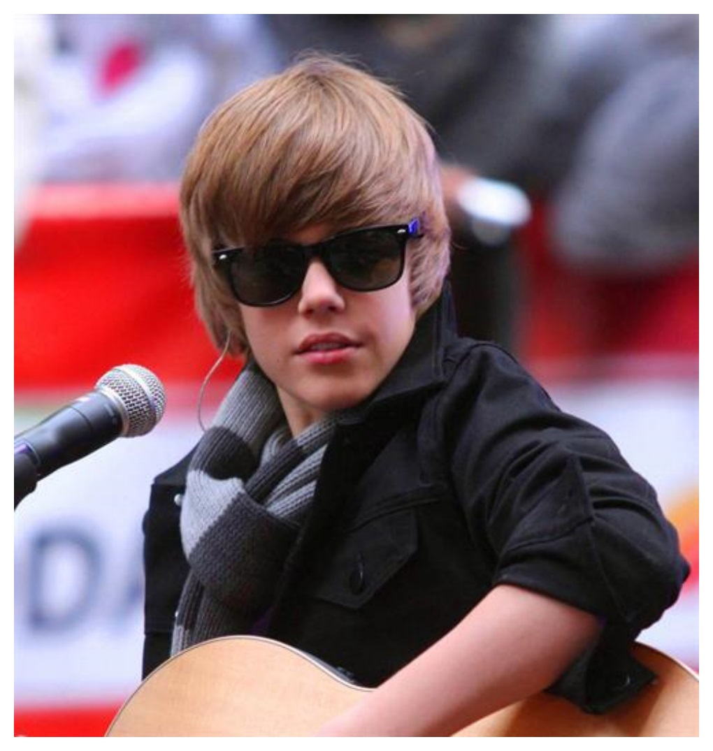 Justin Bieber's Changing Looks with Hairs