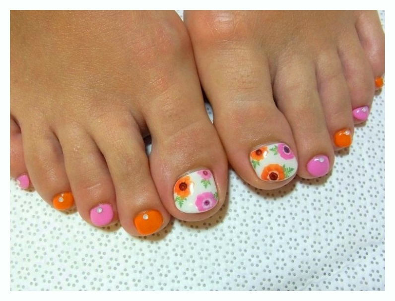 Beautiful Crystal Toe Nail Designs free 2018 collection