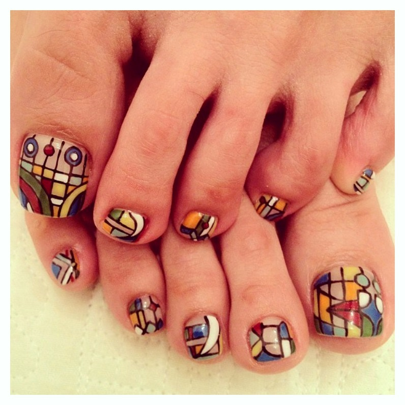 Flowery ideas of Toe Nail Designs