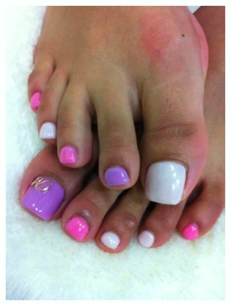 Pedi with Crystal Toe Nail Designs