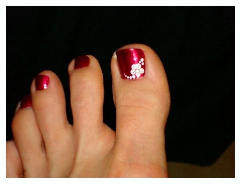 Simple FLoral Nail toe ideas