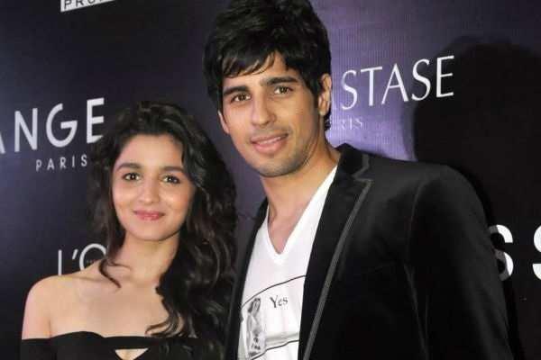 Alia Bhatt Boyfriend  Varun Dhawan