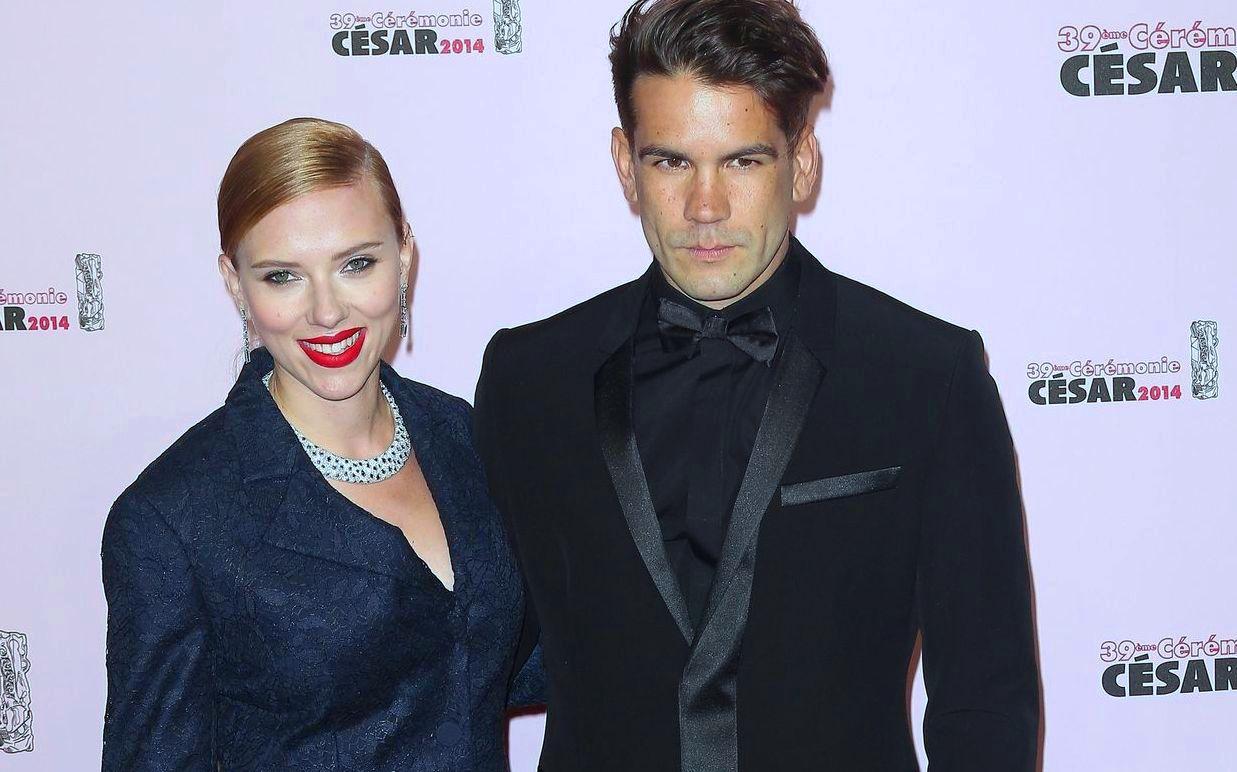 Best Youngest Hollywood Actress Scarlett Johansson spouse Ryan Reynolds