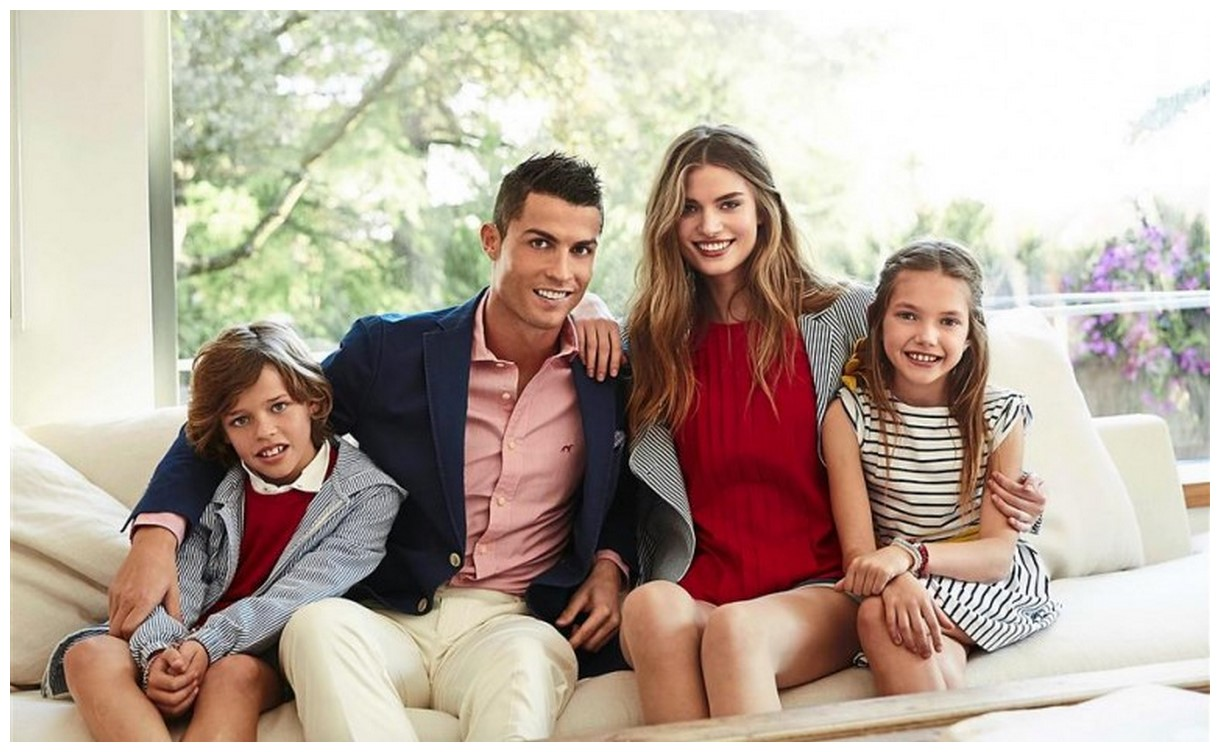 Cristiano Ronaldo with daughter and wife