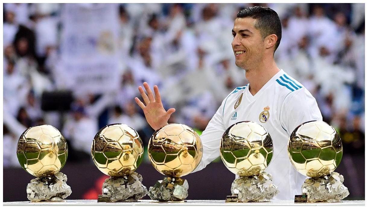 Foot baller Cristiano Ronaldo HD Wallpapers